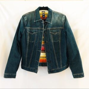 Gap vintage denim jacket with sweater lining Large